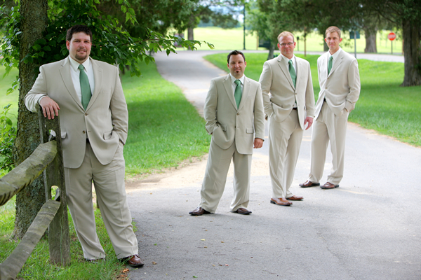 groom-men